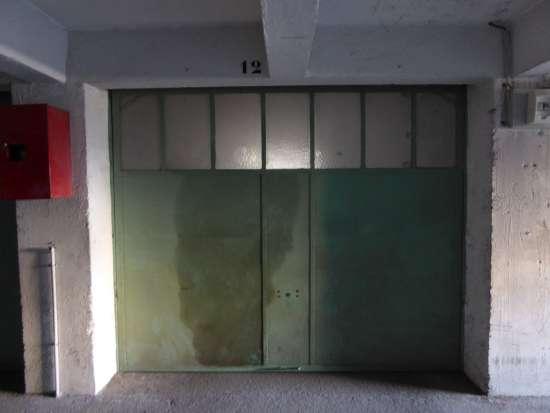 location box s curis dans un parking facile d 39 acc s marseille 13006 bouches du rh ne r623447. Black Bedroom Furniture Sets. Home Design Ideas